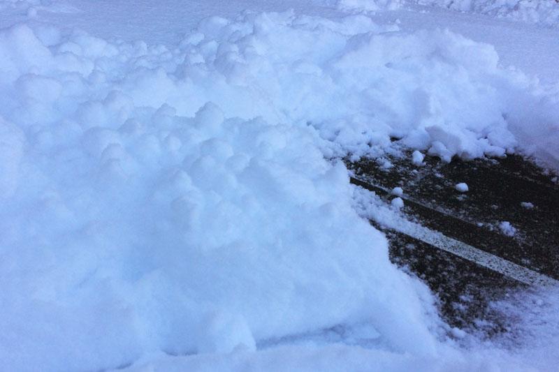 雪掻きの風景