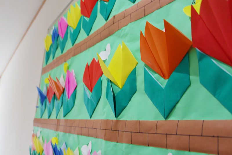 紙で作った手作りの花