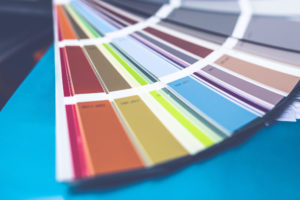 印刷物の色とホームページの色が違う?