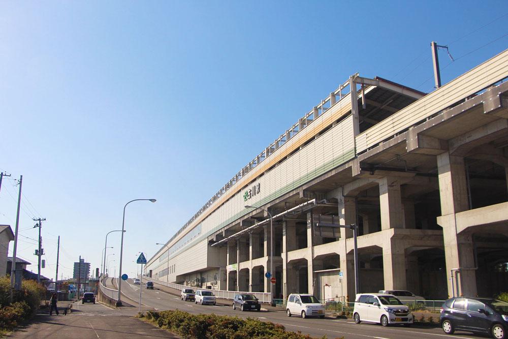 古川駅の裏側