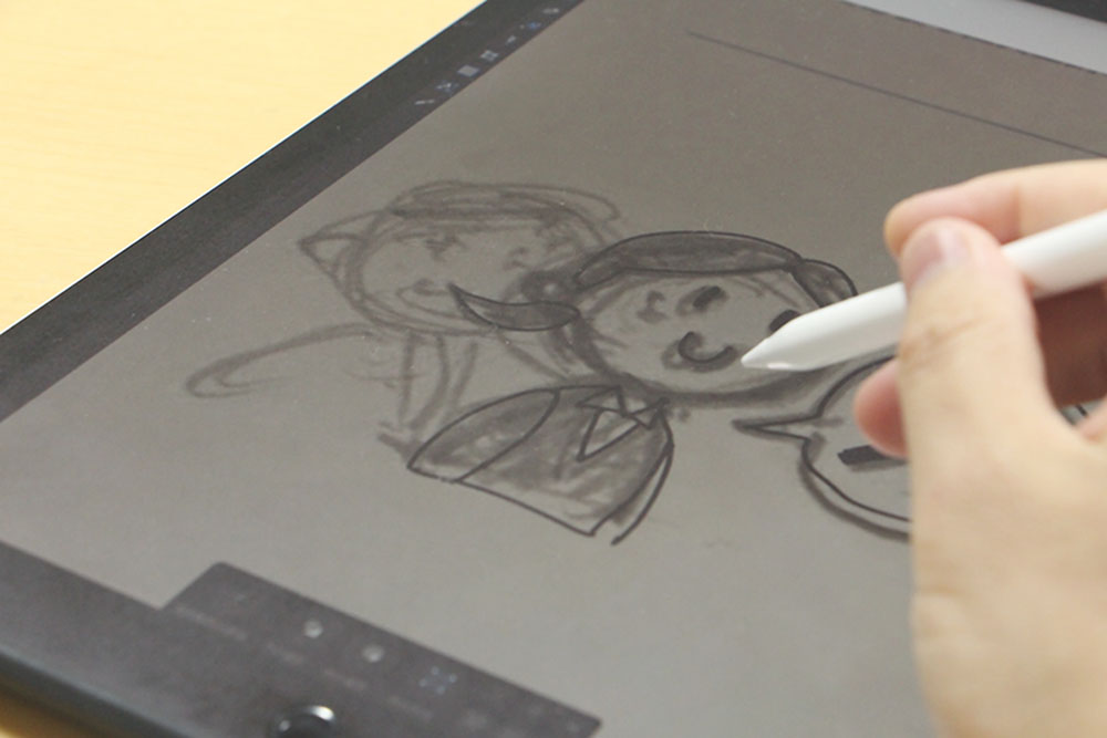 ipad proで絵を描いているところ